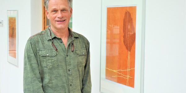 <h4>ERDE UNTER MEINEN FÜSSEN</h4><p>von Fritz Grill</p><p>Galerie im Pfarrzentrum</p><p>23. Mai bis 8. Oktober 2021</p><p>&nbsp;</p>